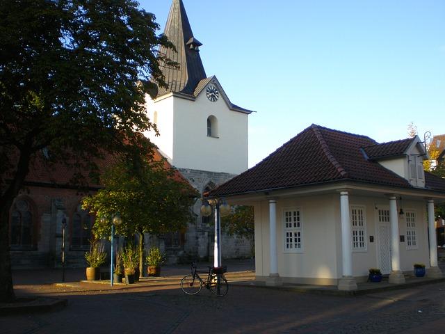 Alte Wache und Liebfrauenkirche